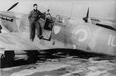 Vickers-Supermarine Spitfire Mk Vb Trop | Flickr - Photo Sharing! Air Force Aircraft, Ww2 Aircraft, Cienfuegos, Supermarine Spitfire, Nose Art, Royal Air Force, Aviation Art, Batman, History
