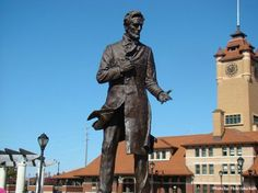 Top 10 Things to do in #Illinois - walk in #Lincoln's footsteps in #Springfield. @Abes Springfield