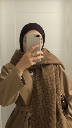 Niqab Fashion, Modest Fashion Hijab, Modern Hijab Fashion, Street Hijab Fashion, Casual Hijab Outfit, Hijab Fashion Inspiration, Muslim Fashion, Mode Inspiration, Fashion Outfits
