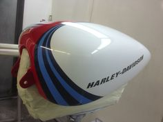Paint Job on the Martini Bikes! Martini Racing, Tank Design, Ducati, Peugeot, Bike, Painting, Ideas, Hard Hats, Motorbikes