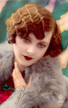 Flapper romance vintage original 1920's tinted postcard. French with Belgium stamp (please follow minkshmink on pinterest ) #flapper #twenties #artdeco #deco #roaringtwenties #jazzbaby