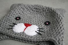 lilleliis - world full of amigurumi and cuteness : Heegeldatud kiisumüts lastele and like OMG! get some yourself some pawtastic adorable cat shirts, cat socks, and other cat apparel by tapping the pin! Crochet Animal Hats, Crochet Kids Hats, Crochet Beanie, Love Crochet, Crochet Crafts, Crochet Yarn, Crochet Stitches, Crochet Projects, Knitted Hats