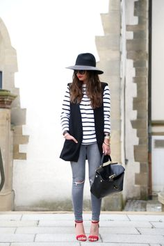 outfit-stripes-vest-grey-ripped-jeans-michaelkors-bag-iris&ink-hat