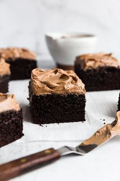 Extra Dark Chocolate Espresso Cake | Browned Butter Blondie | A deep, dark ultra chocolate snack cake recipe with a hint of espresso and a silky smooth, rich homemade chocolate buttercream. This is a dessert treat that will not disappoint for everyday or any special occasion. Espresso Cake, Chocolate Espresso, Valentine Desserts, Köstliche Desserts, Chocolate Snacks, Chocolate Recipes, Chocolate Cakes, Chocolate Cheesecake, Baking Recipes