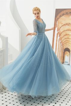 This post unique quinceanera dresses Shrug For Dresses, Prom Dresses With Sleeves, Black Prom Dresses, Elegant Dresses, Pretty Dresses, Formal Dresses, Maxi Dresses, Awesome Dresses, Dress Prom