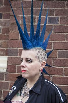 Bildergebnis für liberty spikes short hair Liberty Spikes, Punk Girls, Hairspray, Short Hair Styles, British, Metal, Fashion, Bob Styles, Moda
