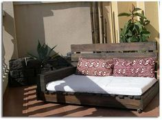 inspiration image. no tutorial on linked site...  pallet day bed