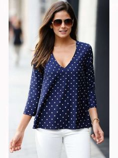Models of blouses that are using bag models blusas, blusas d Style Casual, Casual Tops, Casual Outfits, Fashion Outfits, My Style, Womens Fashion, Fashion Shirts, Top Chic, Pulls
