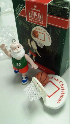 Santa's Hook Shot - Hallmark 1992 Keepsake ornament, basketball Santa figurine…