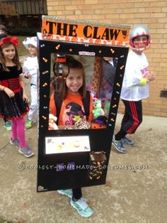 Cool Claw Machine Costume for a Girl - 1