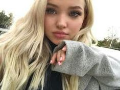Image about girl in Dove Cameron by Athena on We Heart It Dov Cameron, Dove And Thomas, Tmblr Girl, Les Descendants, Isabelle Drummond, Dove Cameron Style, Sabrina Carpenter, Celebs, Celebrities