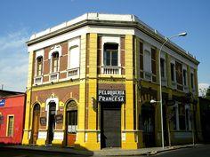 Peluquería Francesa, Barrio Yungay Santiago-Chile by EcoturChile, via Flickr