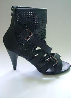 Kup mój przedmiot na #Vinted http://www.vinted.pl/kobiety/na-wysokim-obcasie/9755473-czarne-szpilki-buty-na-obcasach-z-siateczka