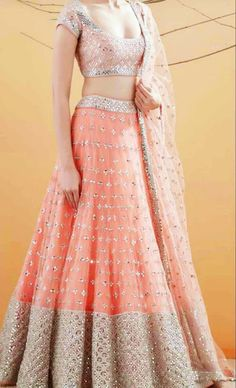 Lehenga Design Images For Girl Indian Wedding Gowns, Indian Bridal Outfits, Indian Gowns Dresses, Indian Bridal Fashion, Indian Designer Outfits, Designer Bridal Lehenga, Lehenga Choli Wedding, Lehenga Choli Designs, Indian Lehenga