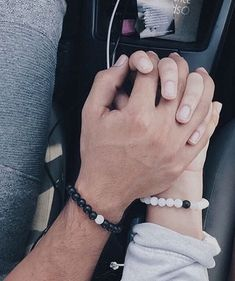 R y o s t o x relationship pics couple amoureux, amour perdu Couple Goals Relationships, Relationship Goals Pictures, Relationship Rules, Photo Couple, Love Couple, Cute Couple Pictures, Couple Photos, Couple Goals Cuddling, Couple Hands