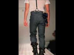 Levi's x Andy Warhol x Damien Hirst fashion show (2008).