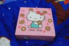 Big Dreamer: BOURBON Hello Kitty Cocoa Cookies