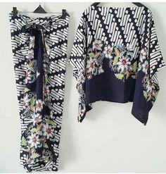 Baju Kaftan Batik, Batik Kebaya, Kebaya Dress, Blouse Batik, Batik Dress, Batik Fashion, Ethnic Fashion, African Fashion, Womens Fashion