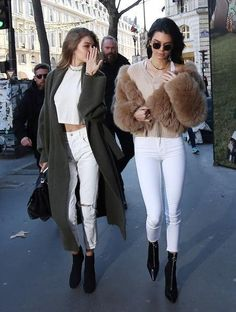 Gigi Hadid and Kendall Jenner street style -white jeans, crop tops. - Total Street Style Looks And Fashion Outfit Ideas Mode Outfits, Winter Outfits, Fashion Outfits, Womens Fashion, Fashion Trends, Style Fashion, High Fashion, Pastel Outfit, Kendall Jenner Style