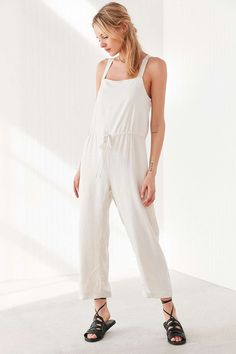 Silence + Noise Square Neck Linen Jumpsuit - Urban Outfitters
