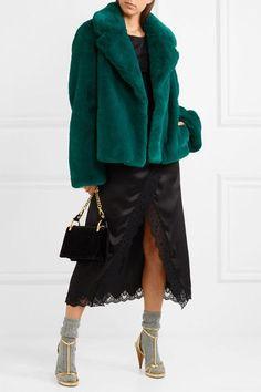 d9856037bd70 331 bästa bilderna på - Coats - i 2018 | Fashion, Coat och How to wear
