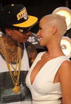 GIST BY BIT : Amber Rose and Wiz Khalifa get married[CHECKOUT TWEETS]