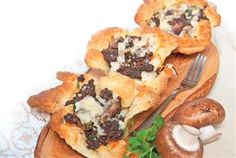 Duck or Goose Tarts | Perfect Appetizer for Thanksgiving Supper - Visit the site for full recipe!