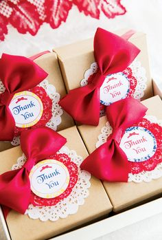 Charming Snow White Birthday Party: Red Bowed Favor boxes