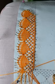 Bobbin Lace Patterns, Lacemaking, Lace Heart, Craft Markets, Lace Jewelry, Antique Books, Sewing Techniques, Sewing Stores, Lace Detail