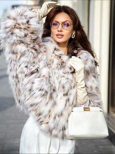 Fur Fashion, Fashion Models, Fashion Beauty, Winter Fashion, Classy Outfits, Sexy Outfits, Fashion Outfits, Mode Chic, Elegant Outfit