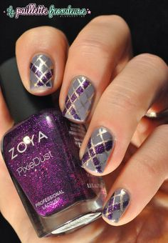 #zoya #carter #aengland #guinevere #stripes #checker #purple #nail #nails #nailart #lapaillettefrondeuse