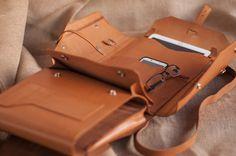 Leather bag, leather backpack, handbag. Model Vintage by Ludena.