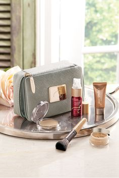Win a jane iredale Starter Kit as part of the prize package in our Biltmore Estate Dream Weekend Getaway sweepstakes! Enter September 15, 2014 through October 8, 2014.