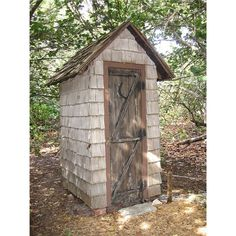 Build a Modern - and Non Smelly - Outhouse for your Back Yard. Nice for when the water and or power fails....