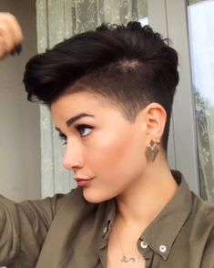 Two Fun and Beautiful Braided Hairstyles – HerHairdos Tomboy Hairstyles, Girl Haircuts, Undercut Hairstyles, Cool Hairstyles, Short Hair Dont Care, Really Short Hair, Super Short Hair, Sassy Hair, Edgy Hair