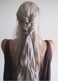 nice 18 Super-quick and easy Trendy Hairstyles for school! // nice 18 Super-quick and easy Trendy Hairstyles for school! Lazy Girl Hairstyles, 5 Minute Hairstyles, Chic Hairstyles, Easy Hairstyles For Long Hair, Creative Hairstyles, Braided Hairstyles, Wedding Hairstyles, Hairstyle Ideas, School Hairstyles