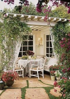 Vintage outdoor living