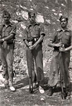 Fent el servei militar el 1945.