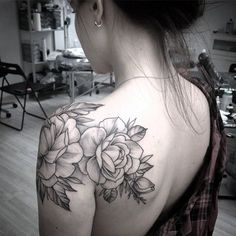 40 Just Perfect Shoulder Tattoos To Try In 2016 - Bored Art