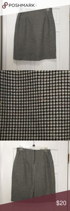 Checkered houndstooth wool skirt Checkered full skirt in perfect condition! NWOT Norton McNaughton Skirts