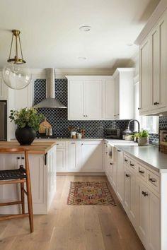 Incredible Kitchen Backsplash with White Cabinet Ideas (20)