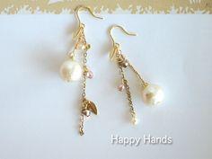 パヴァーヌ*神秘の実*コットンパール Bead Earrings, Crystal Earrings, Earrings Handmade, Handmade Jewelry, Hand Work Design, Ring Bracelet, Pearl Jewelry, Jewelry Crafts, Jewelry Collection