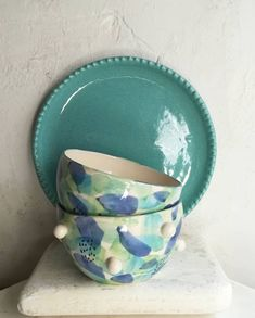 Pottery Painting, Ceramic Cups, Diy Art, Dinnerware, Clock, Hand Painted, Sculpture, Tableware, Fabric