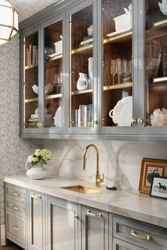 Home Decor Kitchen, Kitchen Interior, New Kitchen, Home Kitchens, Kitchen Hutch, Kitchen Ideas, Kitchen Inspiration, Farmhouse Kitchens, Awesome Kitchen