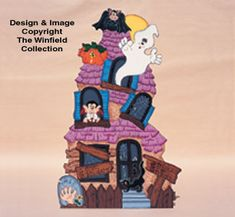 Haunted Manor Woodcraft Pattern This Halloween haunted house is packed full of ghosts and goblins! Halloween Designs, Halloween Patterns, Halloween Projects, Halloween Diy, Holiday Wood Crafts, Winfield Collection, Wood Yard Art, Wood Craft Patterns, Lawn Ornaments