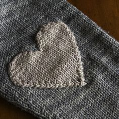 heart shaped elbow patches, tincanknits