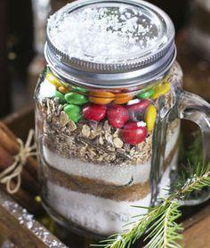DIY-Cookie-Mischung im Glas: http://www.gofeminin.de/kochen-backen/diy-geschenke-aus-der-kuche-s1642358.html