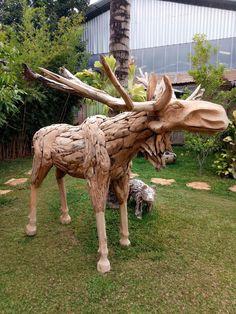 Goats, Giraffe, Lion Sculpture, Van, Statue, Instagram Posts, Animals, Felt Giraffe, Animales