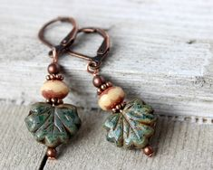Leaf Earrings by InspiredTheory on Etsy Mom Jewelry, Fall Jewelry, Christmas Jewelry, Copper Jewelry, Rustic Jewelry, Jewelry Ideas, Jewelry Making, Unique Jewelry, Leaf Earrings