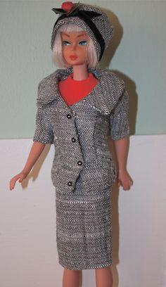 'Career Girl' (954) l963-64 Complete. Modelled by platinum blonde American Girl Barbie.